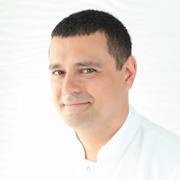 Dr Marcin Ambroziak